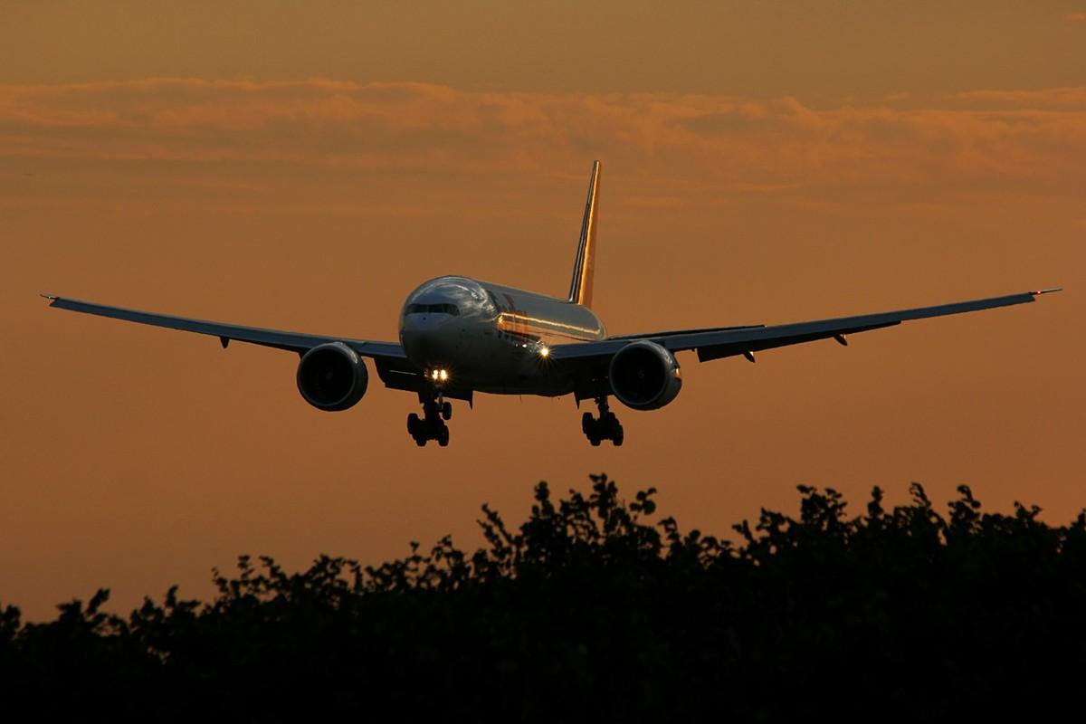 777f_f10.jpg