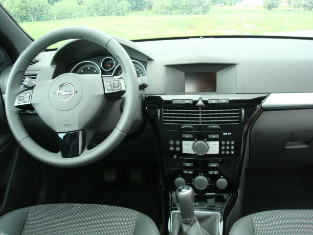 Topic officiel opel astra gtc for Interieur astra h opc