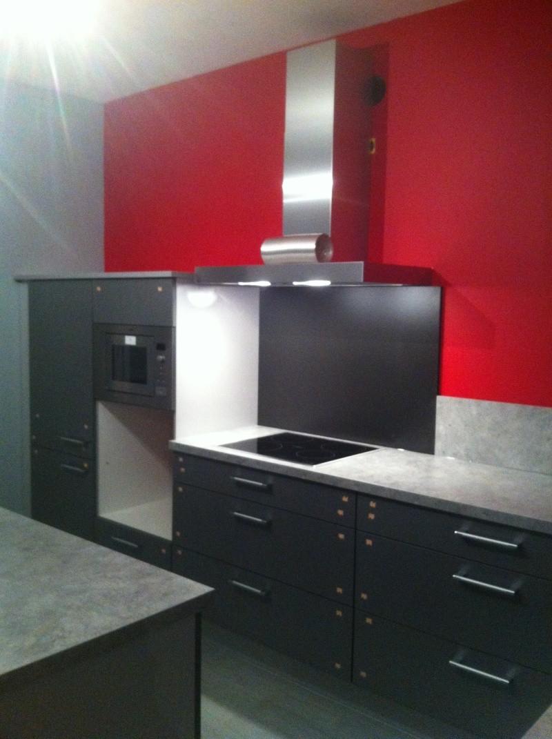 conseils sens pose carrelage cuisine peinture murs. Black Bedroom Furniture Sets. Home Design Ideas