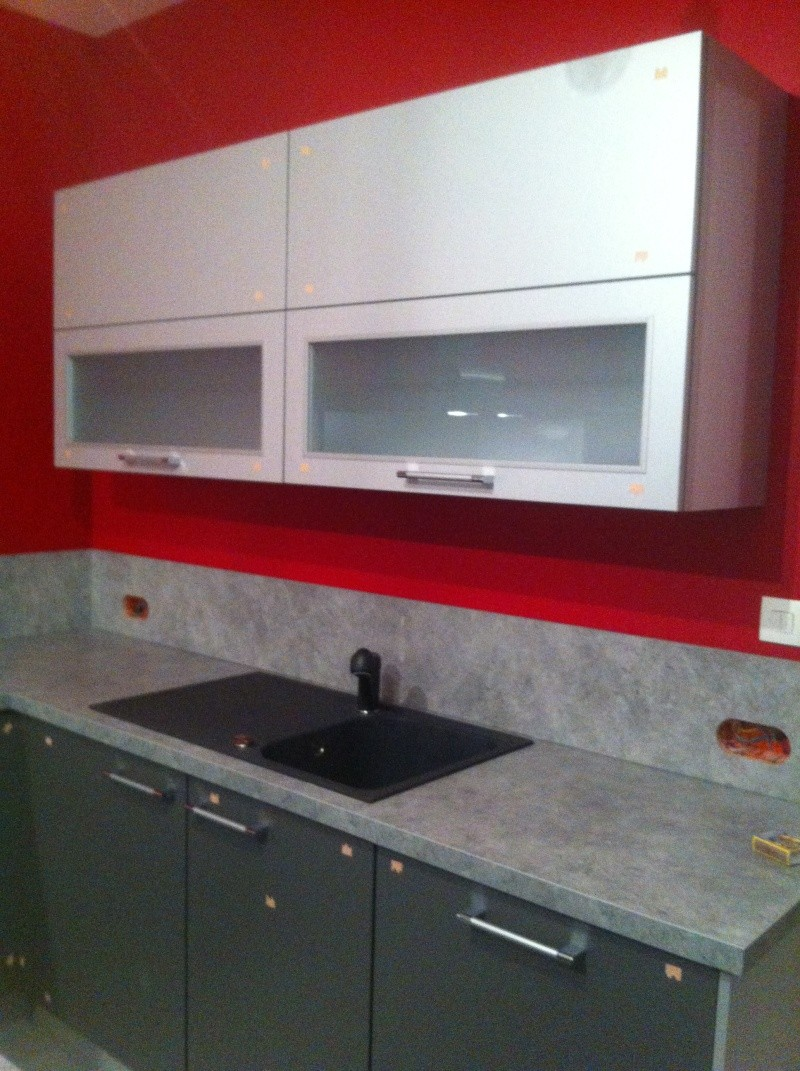 Conseils sens pose carrelage cuisine peinture murs for Peinture carrelage cuisine