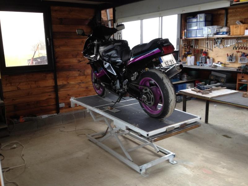 Table moto sur la base d 39 un lit tuning projet - Fabriquer une table elevatrice moto ...