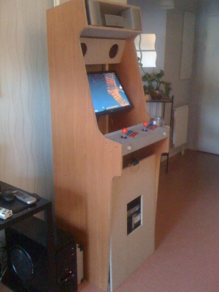 Ma nouvelle borne d 39 arcade fait maison - Borne d arcade maison ...