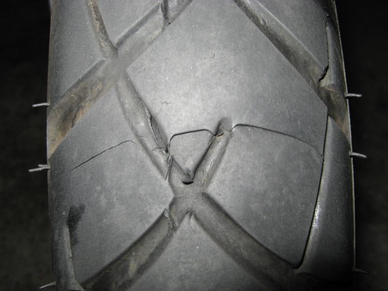 coller entaille flanc pneu voiture