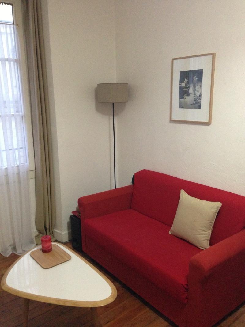 Petit salon choix canapé table basse et chaise vintage