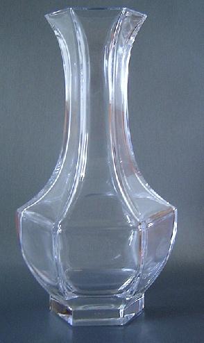 nom de ce mod le de vase en cristal de s vres. Black Bedroom Furniture Sets. Home Design Ideas