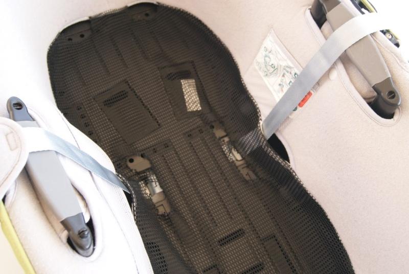 fixer harnais sur nacelle b b confort windoo ventral. Black Bedroom Furniture Sets. Home Design Ideas